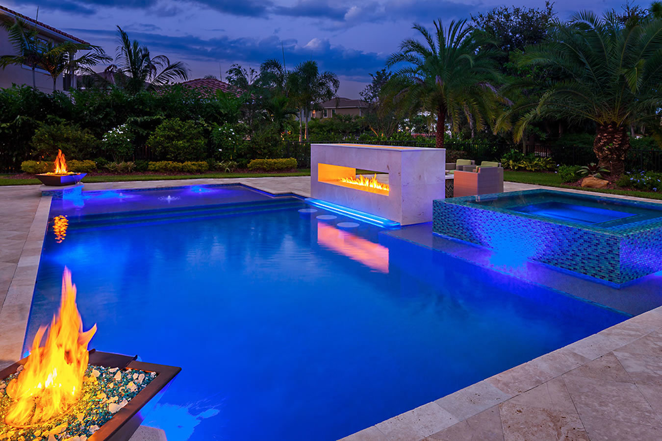 Trends in luxury pool design windermere community realty for Pool design images
